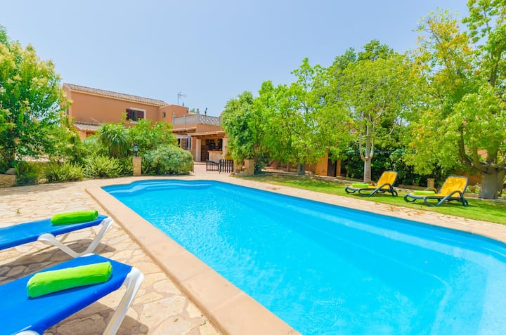 PILI - Wonderful villa with private pool amidst the fields. Free WiFi
