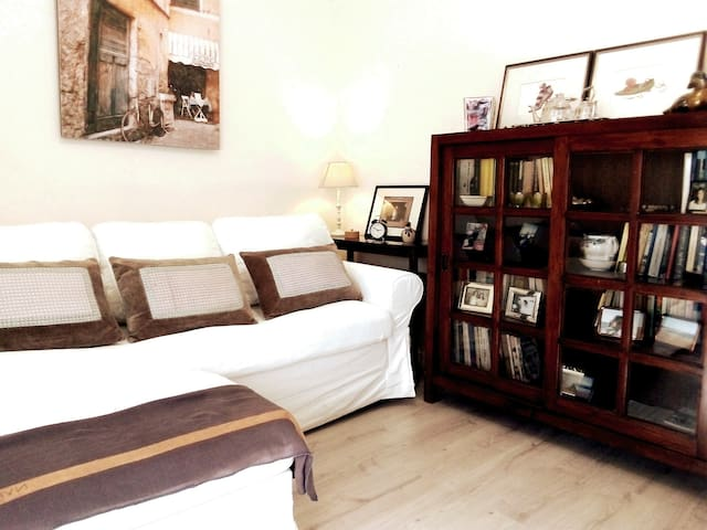 Cozy apartment perfect for couples and families