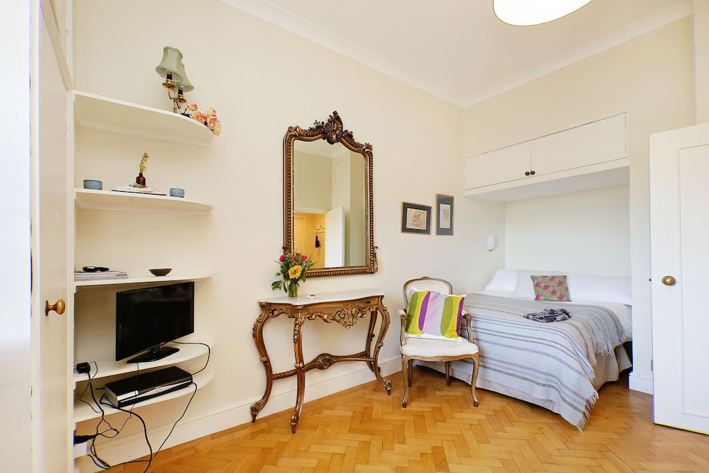 Bedroom nook with vanity, off the main living space