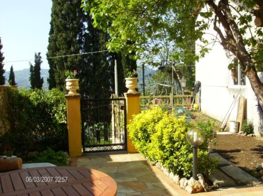 veranda e parte delgiardino