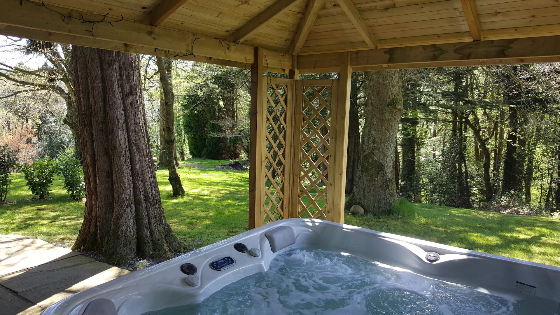 Mountain Chalet (Co. Wicklow) – one of the most romantic cottages for 2 with a hot tub in Ireland