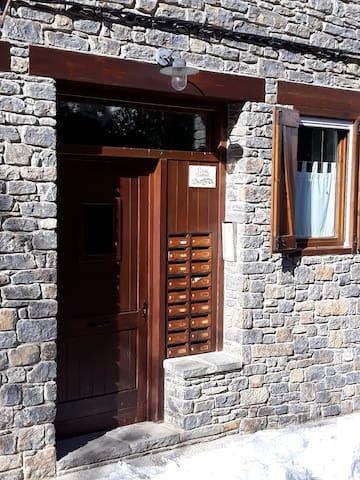 Apartamento en Roní, 10 km pistas esquí Port Ainé