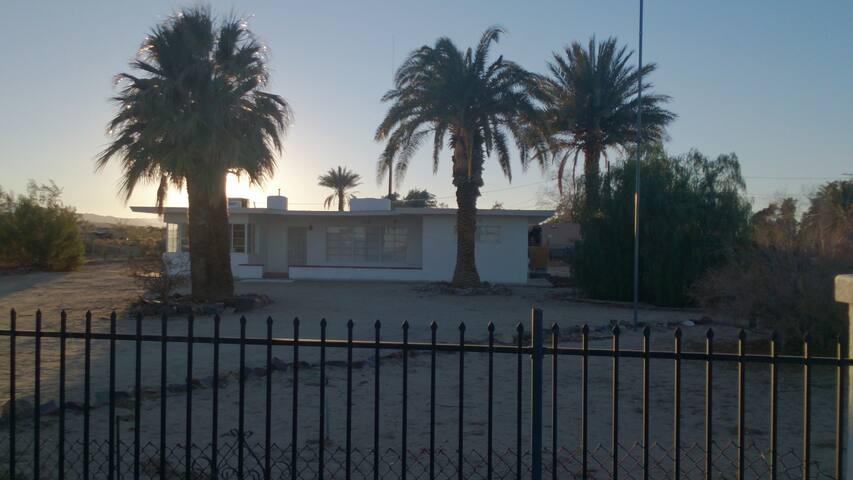 Retro Desert Palm Springs Style block Home