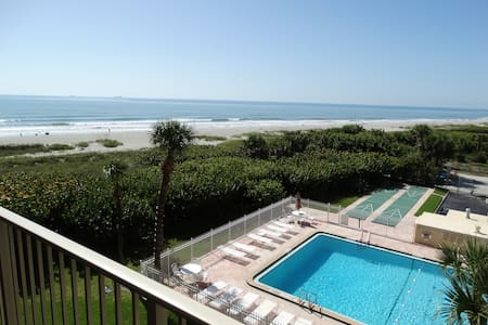 Beautiful Beach Condo #402! - Cape Canaveral