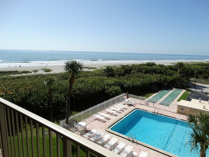 Beautiful Beach Condo #402!