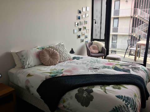 Central City Studio Apartment