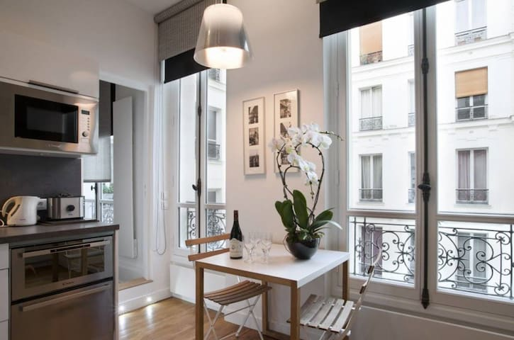 Very beautiful apartment in the Marais