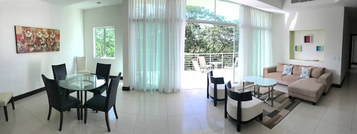 402 Luxury Garden View 2 bedroom 169m2 condominium