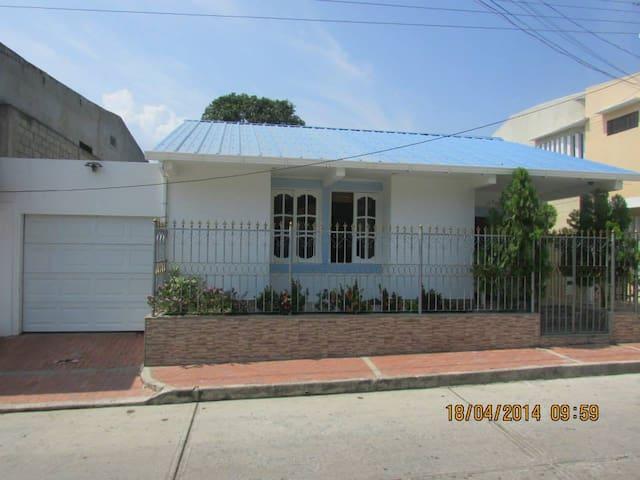 Casa en Bonda, Santa Marta.