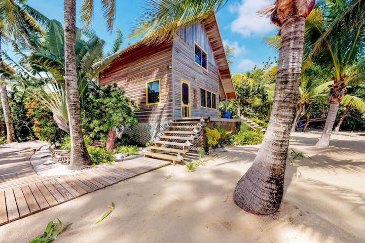 Two beachfront cabanas w/ private beach, dock & hammock in a quiet area!