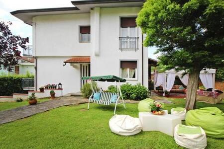 Villa & Private Beach - Villa e spiaggia privata - Piano di Conca - Hus