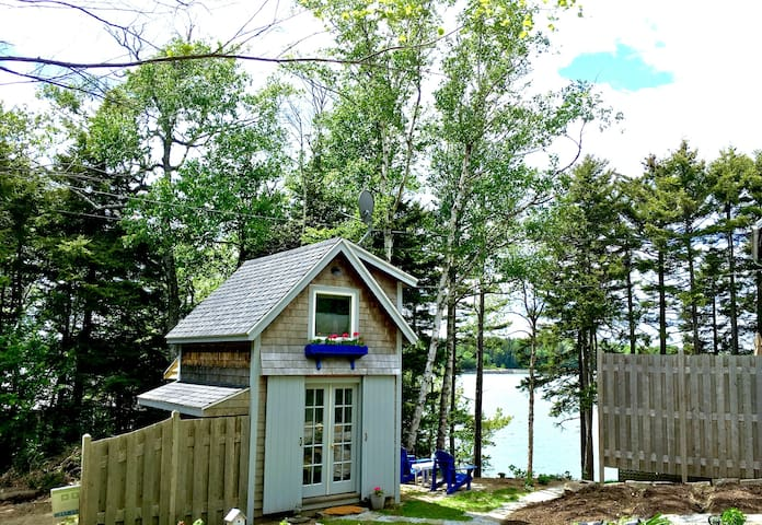 *New listing!* Waterfront Cottage - Tenants Harbor - Guesthouse