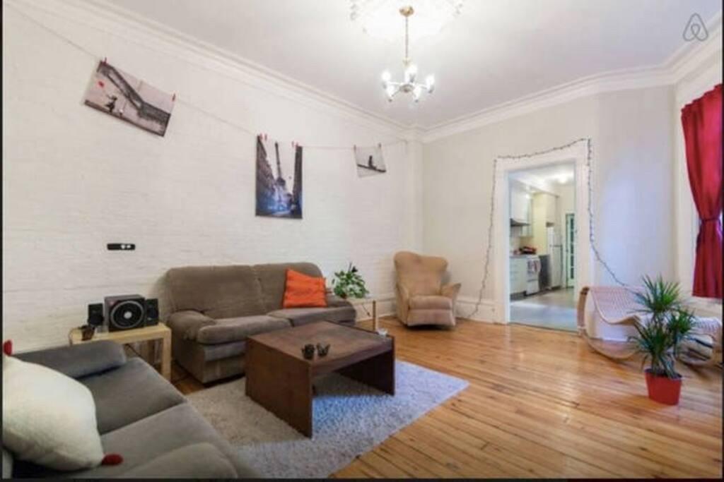 Uqam Rent A Room
