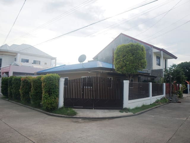 Affordable,  Modern, Clean Transient Home in Davao - Davao City - House