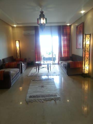 Bel appartement balnéaire   perles de Tamaris