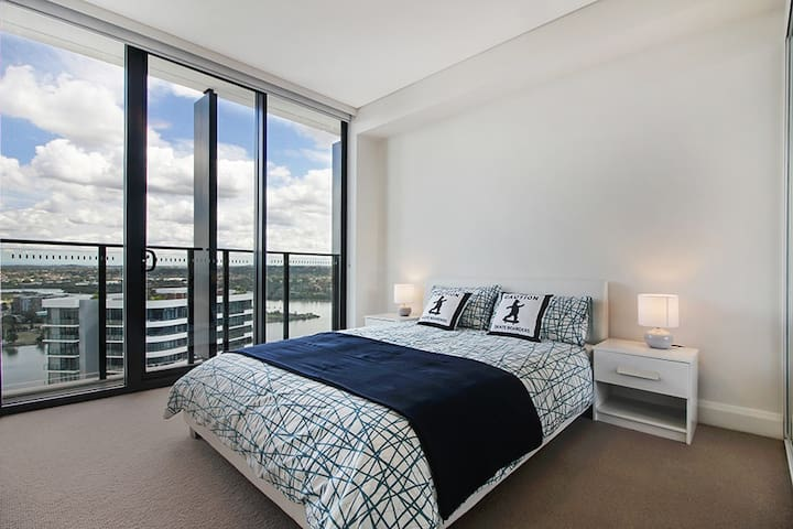 Stunning Waterview Two Bedrooms Apartment
