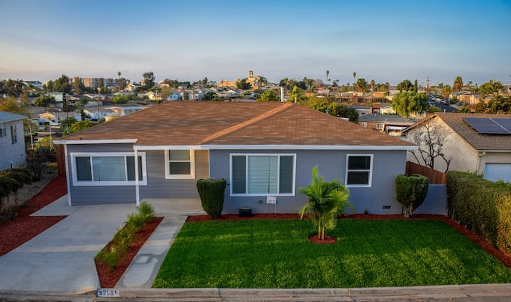 5BR Sanitized centrally located San Diego home!