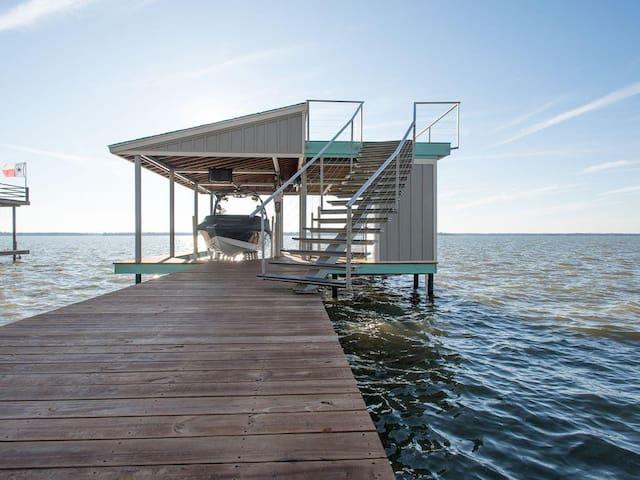Mermaid - Three Bedroom w/ Stunning Water Views