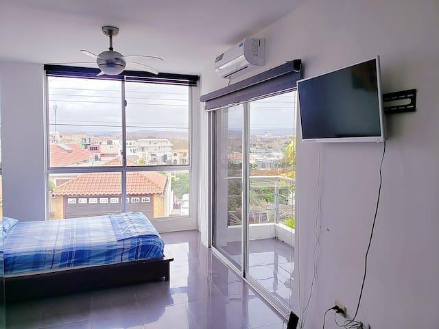 Habitación privada en Manta Beach!! In home