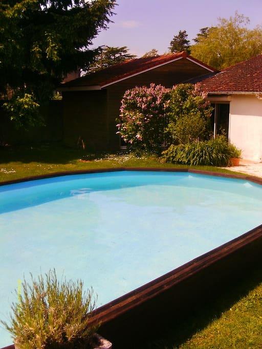 Maison jardin piscine garage chambre n 3 maisons for Piscine de bressuire