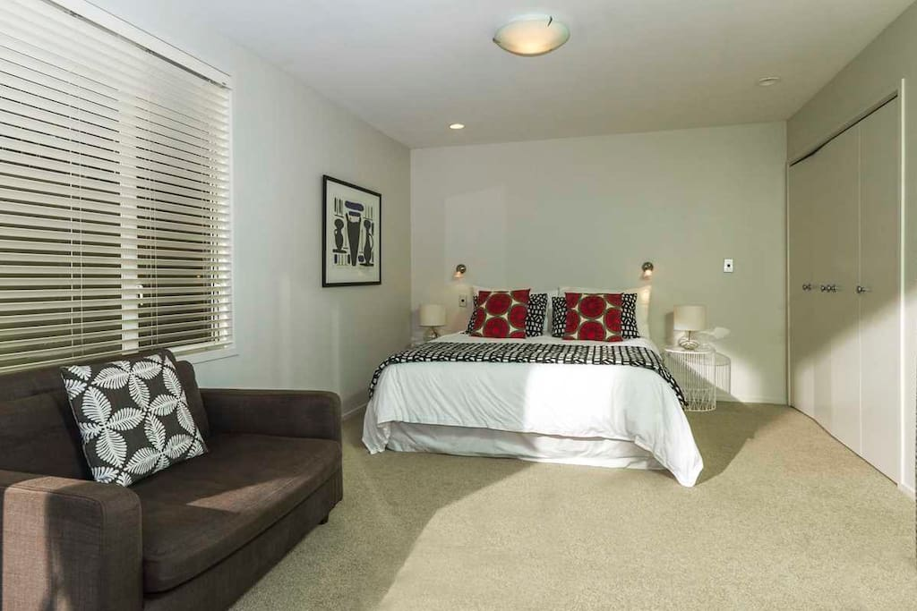 King Size bed, couch, facilities