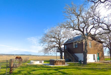 Moonrise Retreat, hill country calm - Fredericksburg - Bed & Breakfast