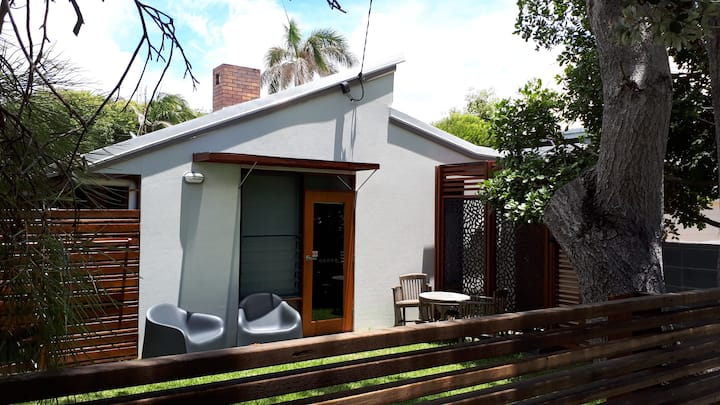 Yaroomba Beachside Studio- 1 minute walk to beach