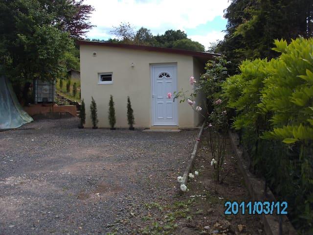 LOUE BEAU STUDIO PLEIN PIED - Saint-Dié-des-Vosges - Huoneisto