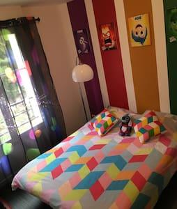 Chambre confortable pour continuer de rêver Disney - Montévrain