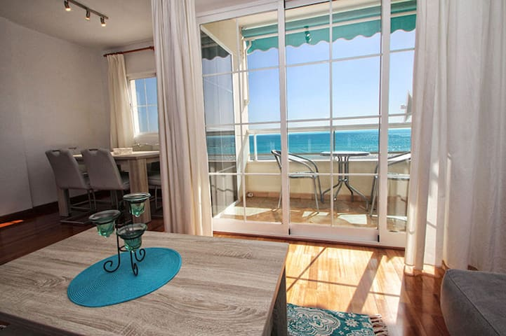 Beach front luxury apartment in Altea
