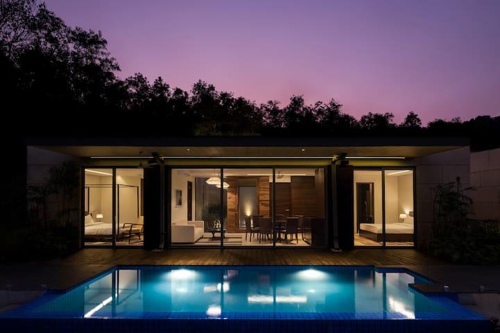 Iconic 2BHK private pool villa near baga!