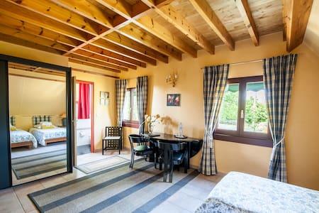 Chambres d'Hôtes de charme  chambre <figeac 2 pers - Mayrac