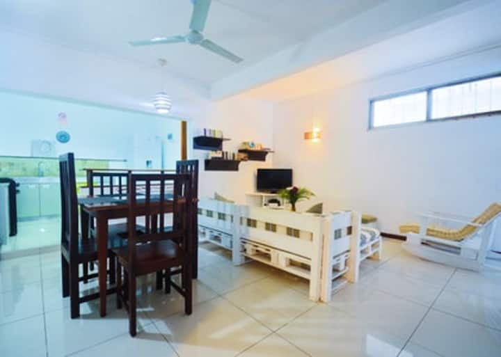 Apartment with 2 bedrooms in Pereybere, with shared pool, enclosed garden and WiFi