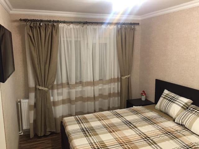 Beige Room1