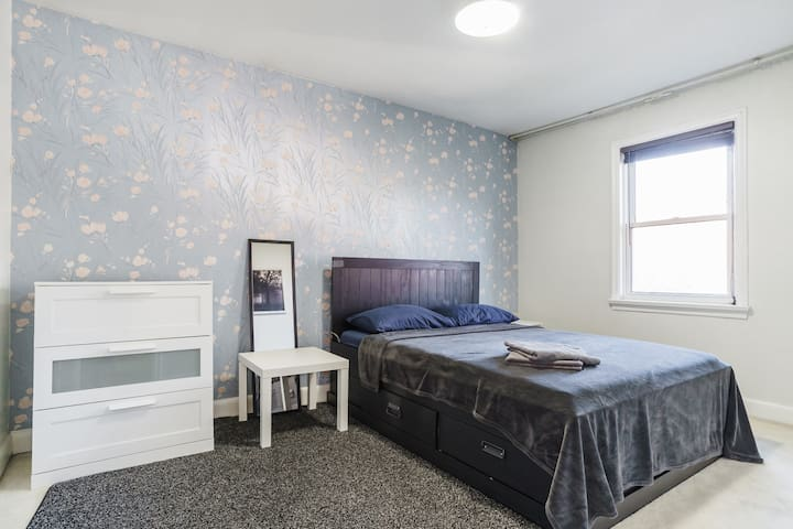 NO Cleaning fee! QueenBed, FreeWifi, Prkng, Brkfst