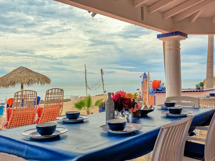 Casa Theresa -Amazing Las Conchas Beach Front Home