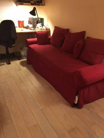 chambre dans un appartement au Pré St-Gervais