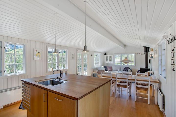 Enjoy et idyllisk og hyggeligt familie sommerhus