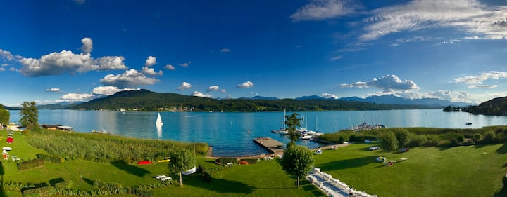 Wörthersee penthouse in a prime lakeside location