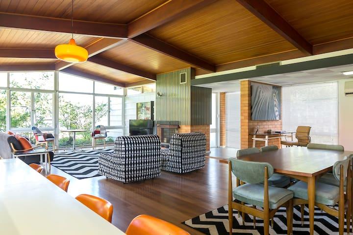 Cool Retro Modernist Detached Home -near City & UQ - Saint Lucia - Maison
