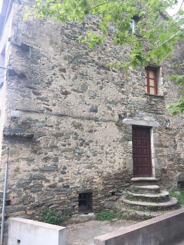 Maison dans village typique de Haute-Corse - Castello-di-Rostino - Dům
