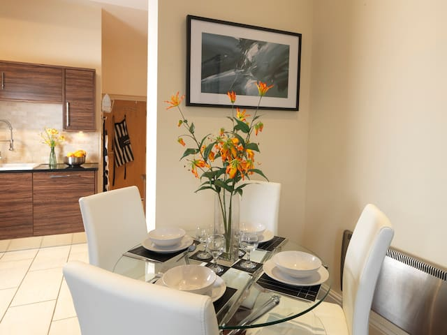 Garden View is a Luxury Duplex Apartment located in Leeds. - Leeds, Yorkshire - Lejlighed