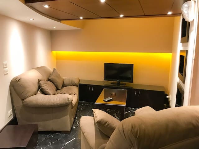 Tohfa Luxury Apartment Single Room