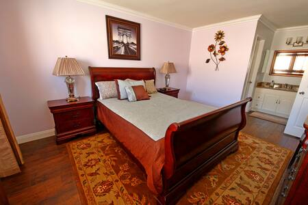 2 Bed 1 Bath by Disney, Knotts Berry Farm & JWA - Santa Ana - Appartamento