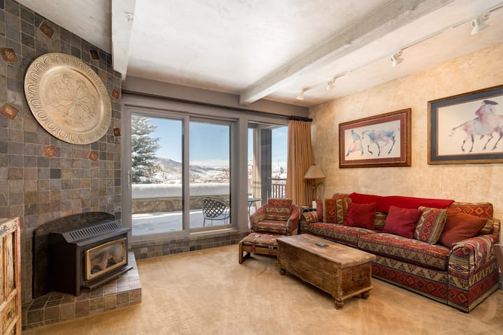 Discounted lift tickets! Great One Bedroom Condo Steps From the Gondola -  The West 3205