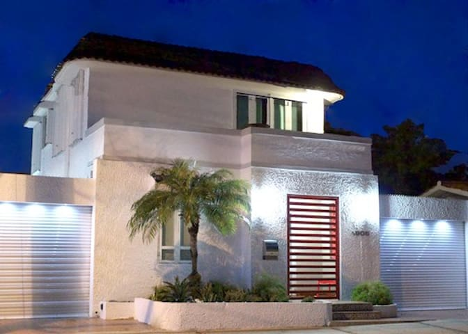 Beach Villa/Big Groups/Steps from the Beach!!! - San Juan - Villa