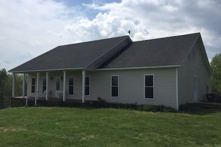 Country Getaway - Springfield - Haus