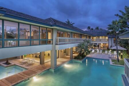 East Oahu villa with 12 bedrooms - Honolulu