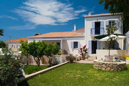 Villa Aelia SPETSES: charm&convenience, 2min beach - Villa