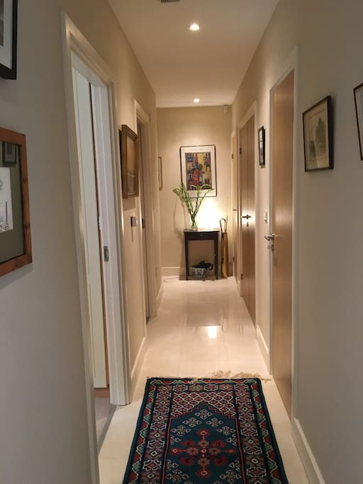 Spacious & welcoming hallway